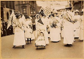 Photo of New York Suffragette Parade, May 6, 1912